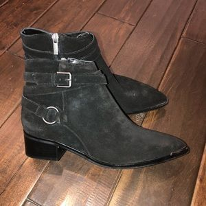 Women's sz 7.5 Marc fisher black suede ankle boots
